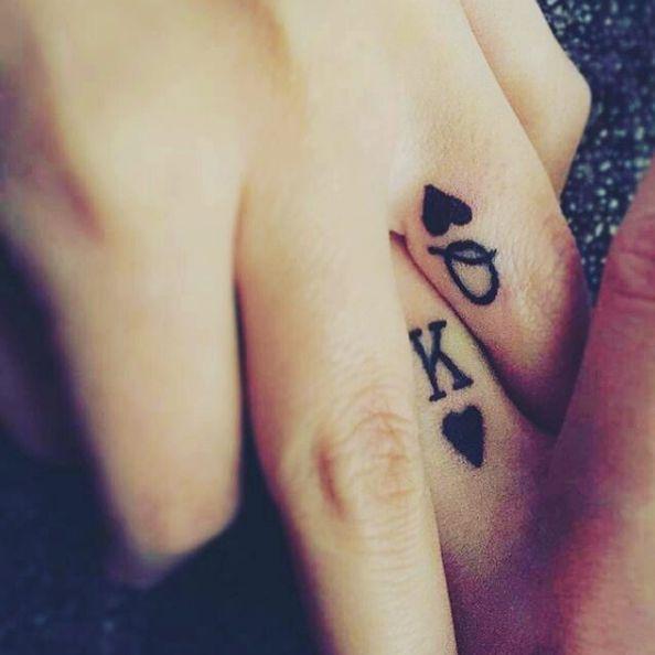 Cuando ya se puso en serio el asunto… | 21 Adorables ideas para hacerte un tatuaje con tu pareja