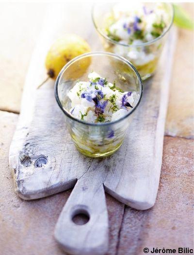Recette Tartare de dorade aux artichauts  : Retirez les feuilles des artichauts jusqu'au cœur, retirez le jeune foin et faites cuire les fonds 5 mn dans de l...