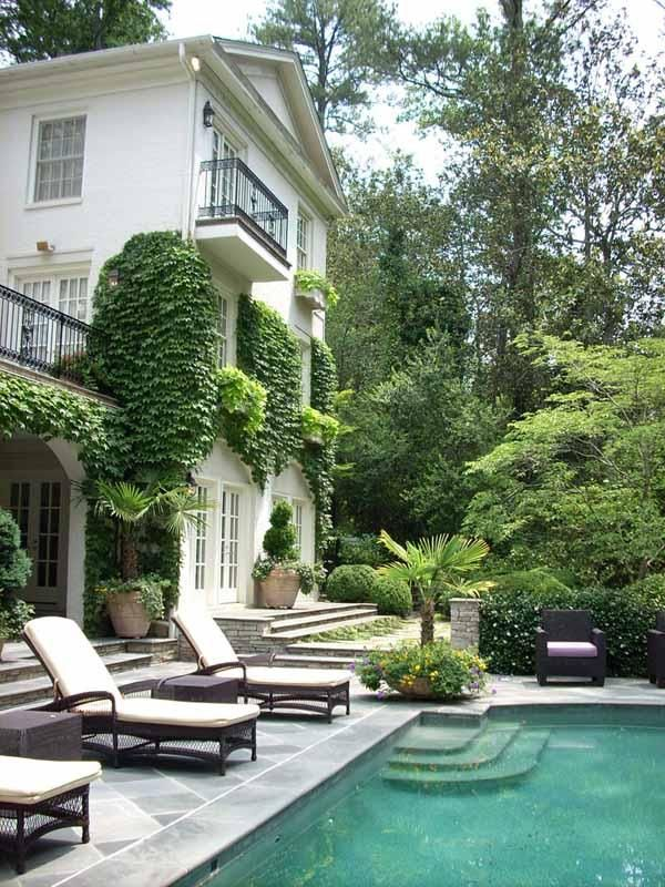 #Classic, green, and gorgeous. - http://vacationtravelogue.com Easily find the best price and availability - http://wp.me/p291tj-7r