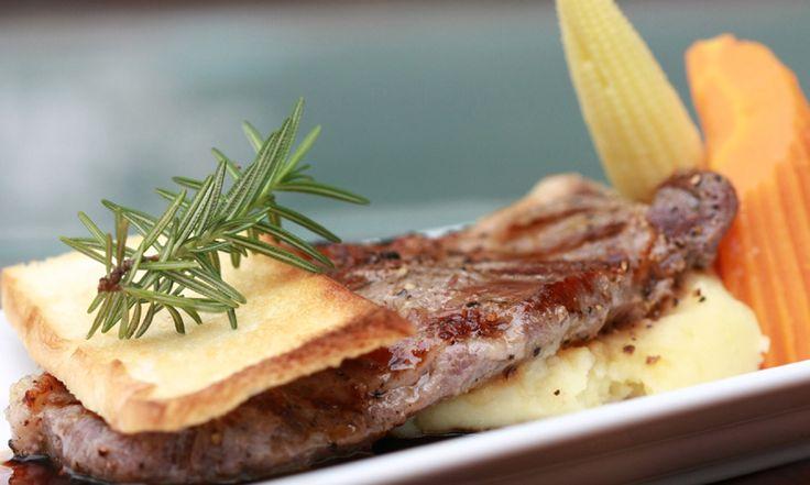 夕食:市内レストランにてラオス料理(DLX) http://www.toursystem.biz/tours/edit/463