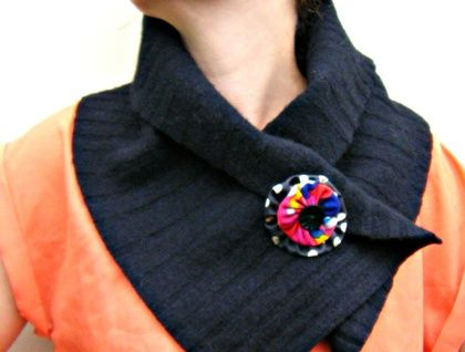 Gorgeous chunky wool scarf made of recycled felted wool a from black jumper. 100% lambswool, chunky knit, super cosy!  Closes with a rosette and can be worn so many different ways!  https://cherryberry.felt.co.nz