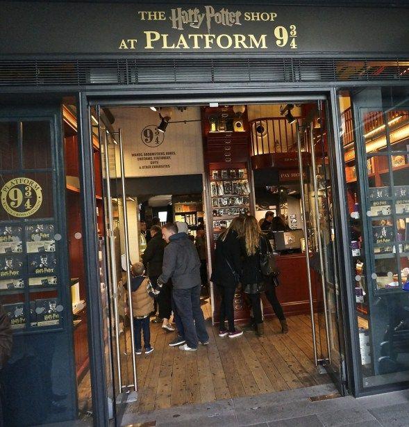 Harry Potter gift shop platform 9 3/4 Kings Cross London souvenir