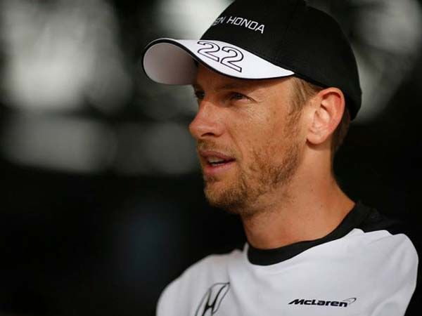 Jenson Button And His Wife Gassed, Robbed!