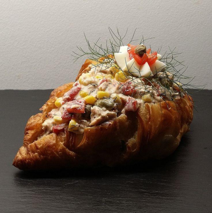 Croissant med tunsalat...