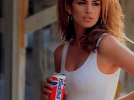 Cindy Crawford Recreates Her 1992 Pepsi Super Bowl Ad