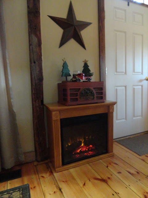 Fake fireplace heater...there's a link to her Christmas Home Tour