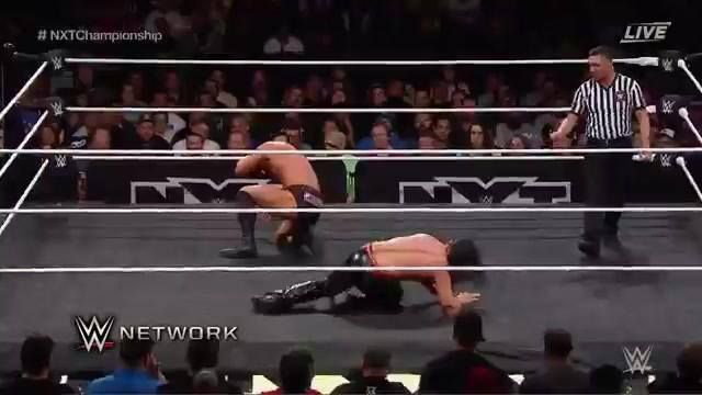 Shinsuke Nakamura shows Bobby Roode why he is the King of Strong Style at WWE NXT TakeOver: San Antonio on WWE Network.
