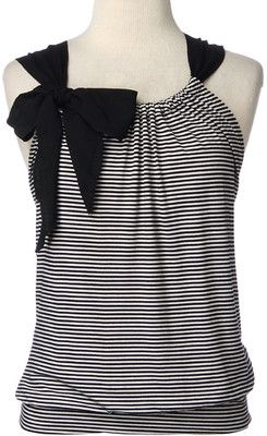 The Crafty World of LotusBomb: Day 3 -of the 30 Day Pinterest Craft Challenge - Black and White Striped Top Shirt
