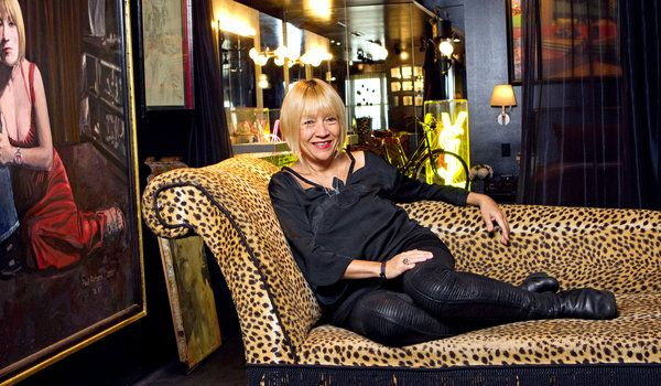 Article about Cindy Gallop, who started a website discussing real sex vs porn sex.Galloping Pictures, Interesting People, Free Online, Fashion Founders, Galloping Online, Dr. Who, Wrote Cindy Galloping, Daily Style, Makelovenotporn Tv