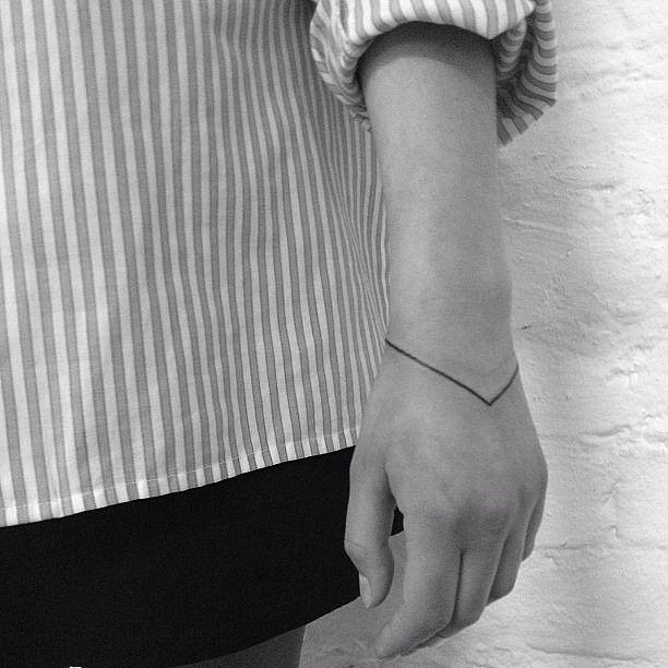 Bracelet tattoo.