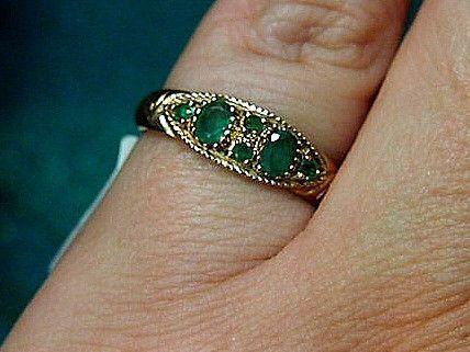 Jewellery-Ring-Vintage-Natural emerald set in 9 carat rose gold