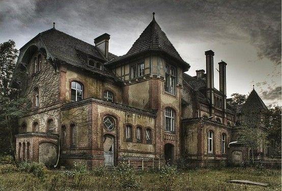 Berkyn manor aka furhouse manor in horton Uk