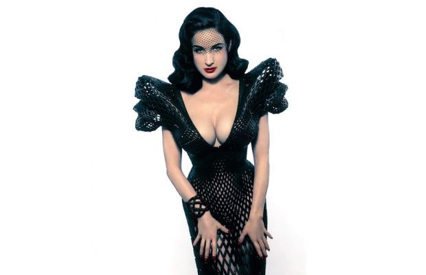 Michael Schmidt and Francis Bitonti Create First Fully Articulated 3D-Printed Dress for Dita Von Teese