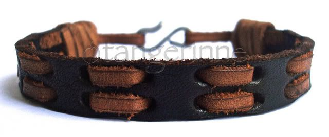 Pulseira Masculina de Couro Com Dupla ´Costura´ - TANGERINNE ACESSÓRIOS ....I realy want one of these