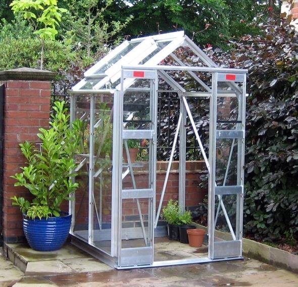 How to Build a Small Greenhouse Cheap