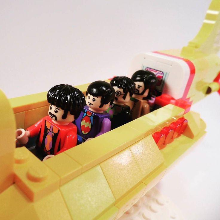 This day in 1969 The Beatles had their last performance. (photo: kockafun.hu)  #WeLoveWhatYouBuild #wlwyb #lego #legostagram #toys #toyslagram #toystagram #design #legominifigures  #legominifig  #legophotography  #legomoc  #followme  #friends  #awesome  #minifig  #wantone  #artlovers  #afol  #brickcentral  #history  #build  #beatles  #performance  #last  #remember  #anno  #beloved  #popular  #music