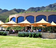 Roca - restaurant with stunning views over the valley- 10 minutes from La Clé des Montanges in Franschhoek