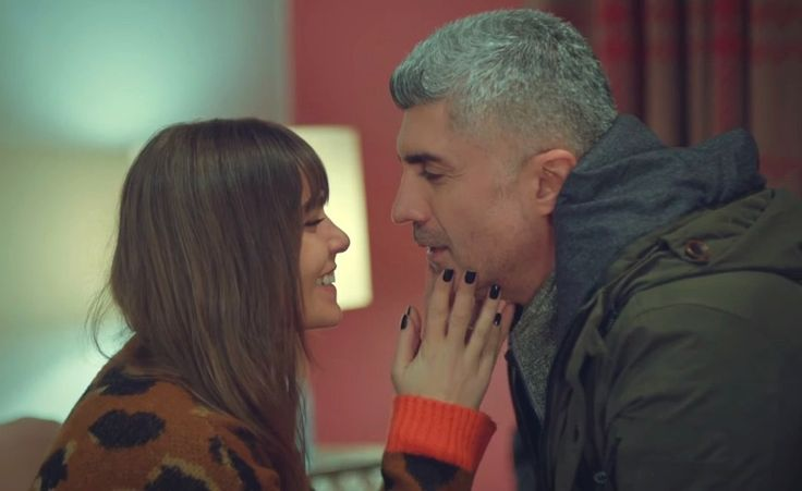 Faruk and Süreyya (Özcan Deniz and Asli Enver)