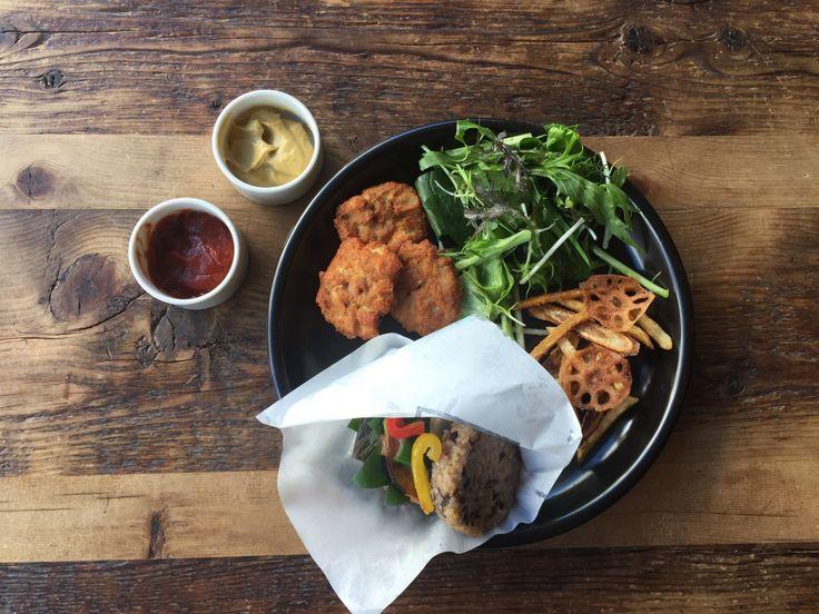 VEGAN Burger | ORGANIC TABLE BY LAPAZ | Vegan cafe in Tokyo.ラパス