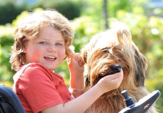 Kindermaatjes: Hulphonden voor kinderen met beperking! Geweldig!