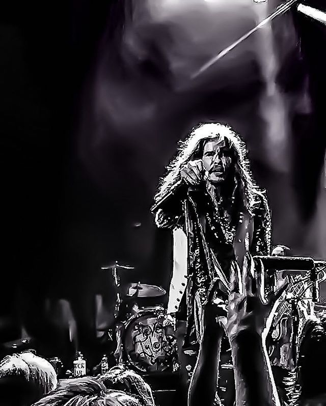 Reposting @arbeauphotos: Back in September,2016 I have got a chance to get up close In front of Steven Tyler @iamstevent And happened to get a photo of him. It sure would make a great cover of a magazine. @rollingstone @forbes Hope to get another chance like this. Looking to photograph more concerts. @iheartradioca @sonycentreto @aircanadacentre #concertphotography  #music #genre #song #songs #socialenvy #PleaseForgiveMe #melody #hiphop #rnb #pop #love #rap #dubstep #instagood #beat #beats…