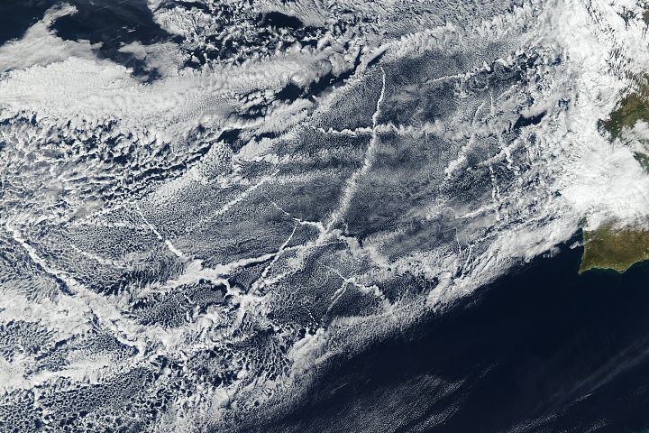 Signs Of Ships In The Clouds Https Earthobservatory Nasa Gov