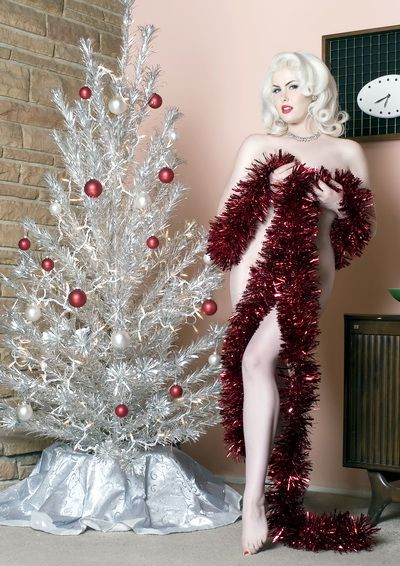 Merry Christmas| Pinup Girl  http://thepinuppodcast.com features pinup models and pin up photographers.