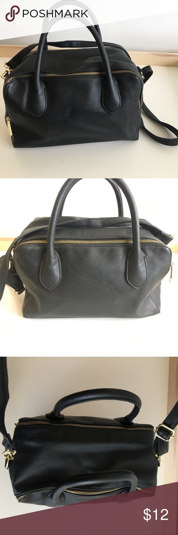 Black H&M Purse 2 sided opening. Can be worn on the shoulder or as a cross body. Adjustable strap. gold hardware. H&M Bags Shoulder Bags