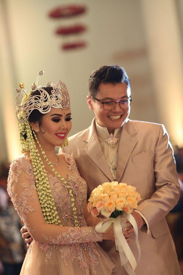 Pernikahan Adat Sunda Nita dan Fiqar di Jakarta