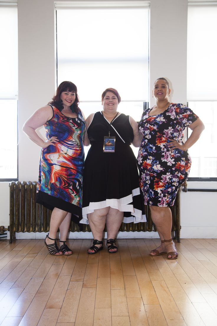 Lovely bloggers Amber, Marcy, and Farrah in our ever-popular Avenue dresses!