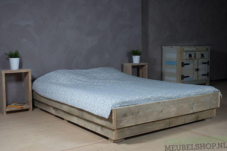 Steigerhouten bed Tava te bestellen als éénpersoonsbed of tweepersoonsbed. In 2 weken geleverd!