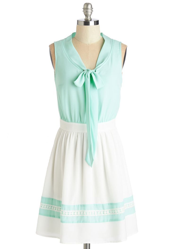 Smart and Sweet Dress. Folks describe you as oh-so friendly, hence your love for this approachably pretty dress!  #modcloth