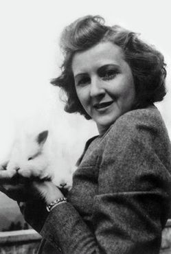 Eva Braun with a bunny