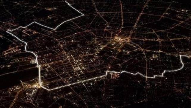 8 november 2014 - Prachtig: duizenden lichtjes herdenken val Berlijnse muur | Buitenland | De Morgen