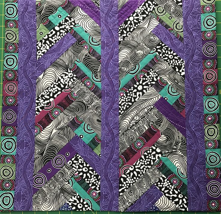 Triangle Quilt Pattern Texture Photos : 3035 best images about Lines and Texture on Pinterest Stitching, Quilt art and Quilt