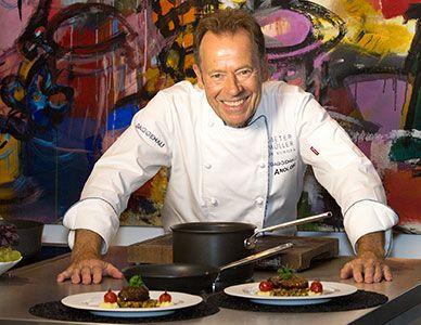 Sternekoch Dieter Müller gehört zu den herausragenden Köchen Deutschlands. Erleben Sie ihn im Gaggenau Showroom München.