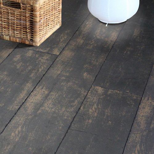 """Podlaha #Lamett Church - NOTR DAME  Kolekce Lamett CHURCH nabízí podlahy se skutečně unikátním vzhledem starého opotřebovaného dřeva s ručně tesanými hranami ( v-spárami ) s hlubokými trhlinami ( """" vzhled středověké podlahy """" ). Tloušťka 12 mm zaručuje při chůzi akustiku blízkou lepené masivní podlaze. https://podlahove-studio.com/169-church"""