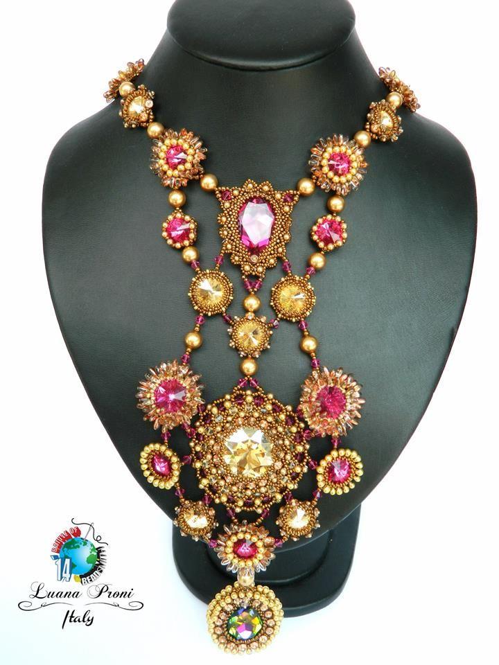 "BATTLE OF THE BEADSMITH 2014 https://www.facebook.com/groups/419636224777912/ Luana Proni: ""Lady Marmelade"" Model: Stefania Proni  https://www.facebook.com/photo.php?fbid=10152134550595079"