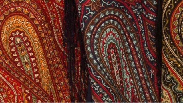 Как делают павло-посадские платки
