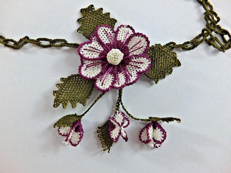 Crochet Statement Necklace Red and Off White Turkish Needlework Oya Flower…