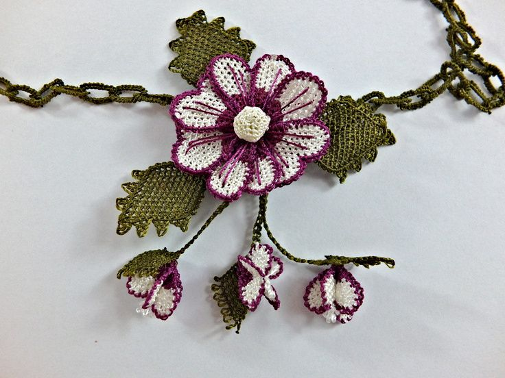 Crochet Statement Necklace Red and Off White Turkish Needlework Oya Flower…
