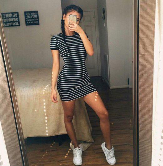 Round neck short-sleeved striped dress