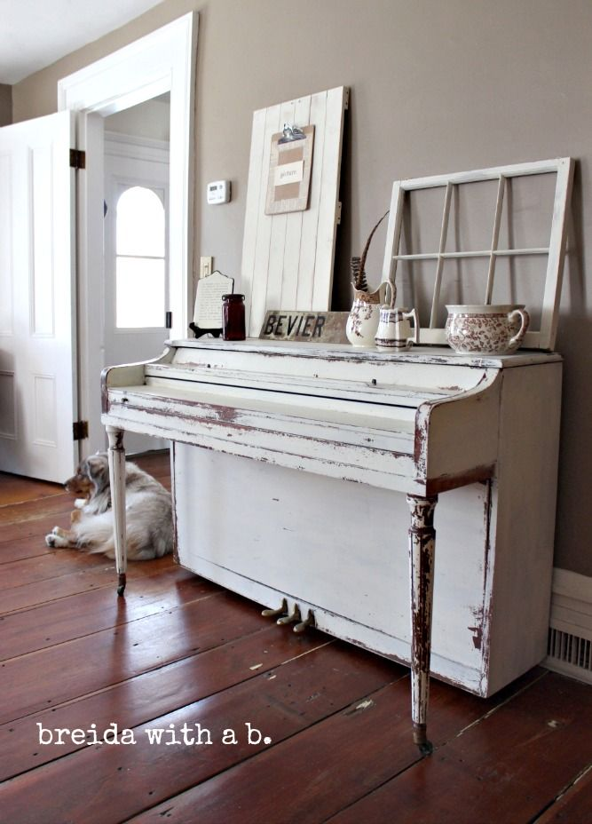 CHIPPY GOODNESS | a painted piano | Miss Mustard Seeds Milk PaintMiss Mustard Seeds Milk Paint