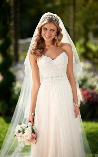 Elegant A-line Strapless Lace Bodice Sweep/Brush Train Tulle Wedding Dress