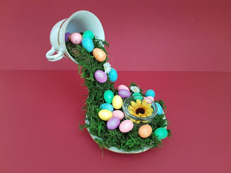 Easter Cup Decoration  Tutorial and more decoration in video: https://www.youtube.com/watch?v=ts6wr3u2VQE&t=26s  #spring #Easter #decor #decoration #diy #craft #holiday