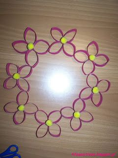 Titina's Art Room: Πως να φτιάξετε ένα στεφάνι με λουλούδια από ρολό χαρτί !