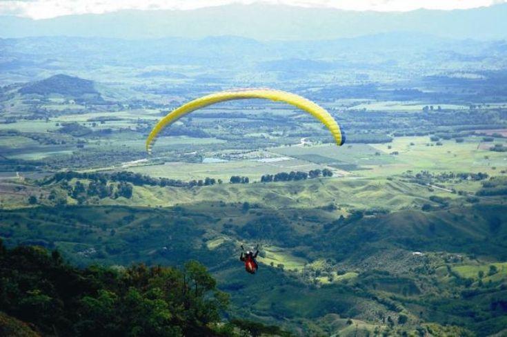 Turismo de Aventura en el Quindío | Turismo Eje Cafetero - Parapente