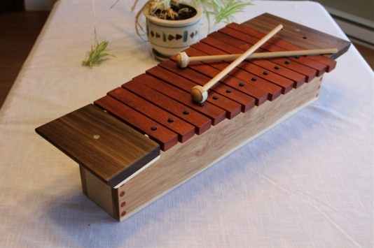 Beautiful 13 note wooden xylophone. Go to www.youtube.com/gratescovestudios to have a listen.