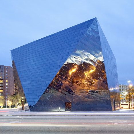 MUSEUM OF CONTEMPORARY ART, CLEVELAND | FARSHID MOUSSAVI - [CONSTRUCTED OF MIRRORED BLACK STAINLESS STEEL TILES]