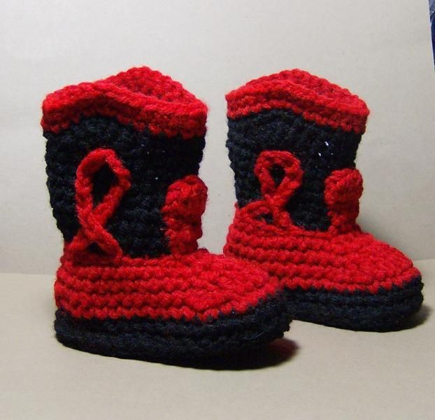cowboy booties  free pattern   http://web.archive.org/web/20070714081537/hometown.aol.com/fourleafcl1064/page69.html